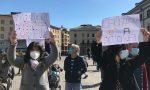 """Foto e video della protesta di genitori e alunni per riaprire la scuola in presenza: """"La DAD non è efficace, l'istruzione è un diritto"""""""