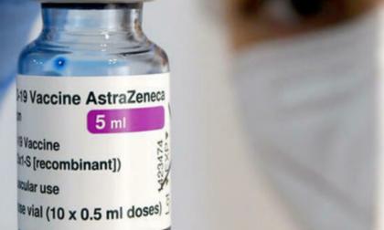 Via alle seconde dosi programmate con AstraZeneca anche tra gli under 60