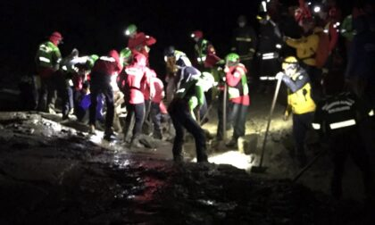 Resta bloccata dal fango a 2600m, miracolata grazie ai soccorritori eroi
