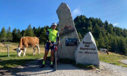 Un cicloturista arriva da Napoli per scalare il Mortirolo