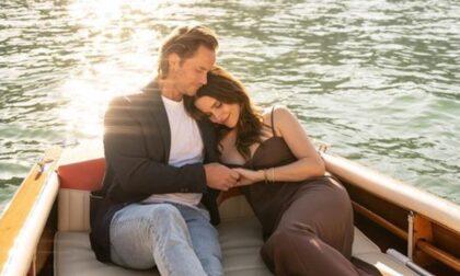 """Romantica proposta di matrimonio sul lago di Como: l'attrice dice """"Sì"""""""